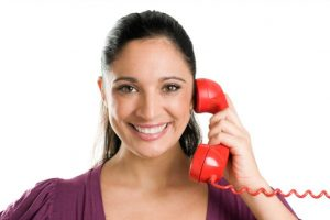 woman calling a psychic on the phone
